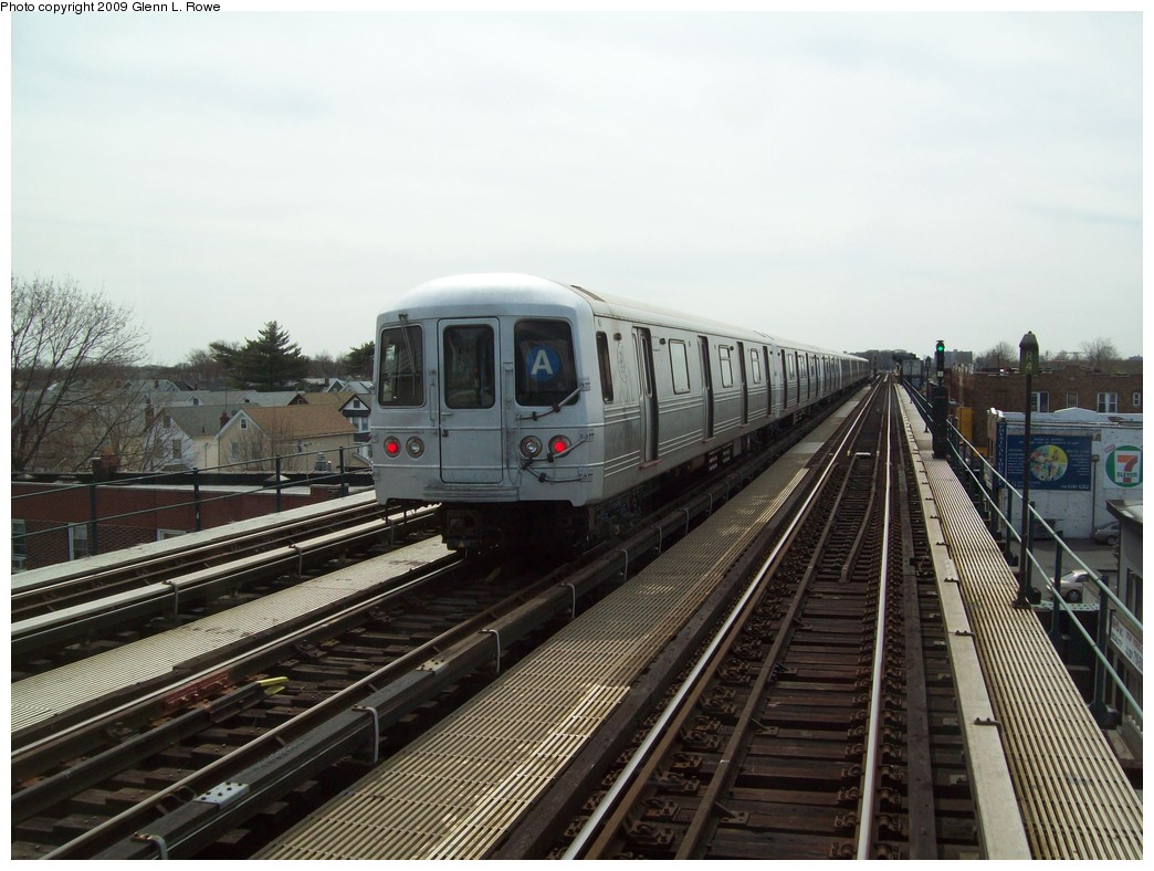 (211k, 1044x788)<br><b>Country:</b> United States<br><b>City:</b> New York<br><b>System:</b> New York City Transit<br><b>Line:</b> IND Fulton Street Line<br><b>Location:</b> Lefferts Boulevard <br><b>Route:</b> A<br><b>Car:</b> R-46 (Pullman-Standard, 1974-75) 6234 <br><b>Photo by:</b> Glenn L. Rowe<br><b>Date:</b> 4/13/2009<br><b>Notes:</b> Gap train laid up between Lefferts and 111th.<br><b>Viewed (this week/total):</b> 0 / 1054