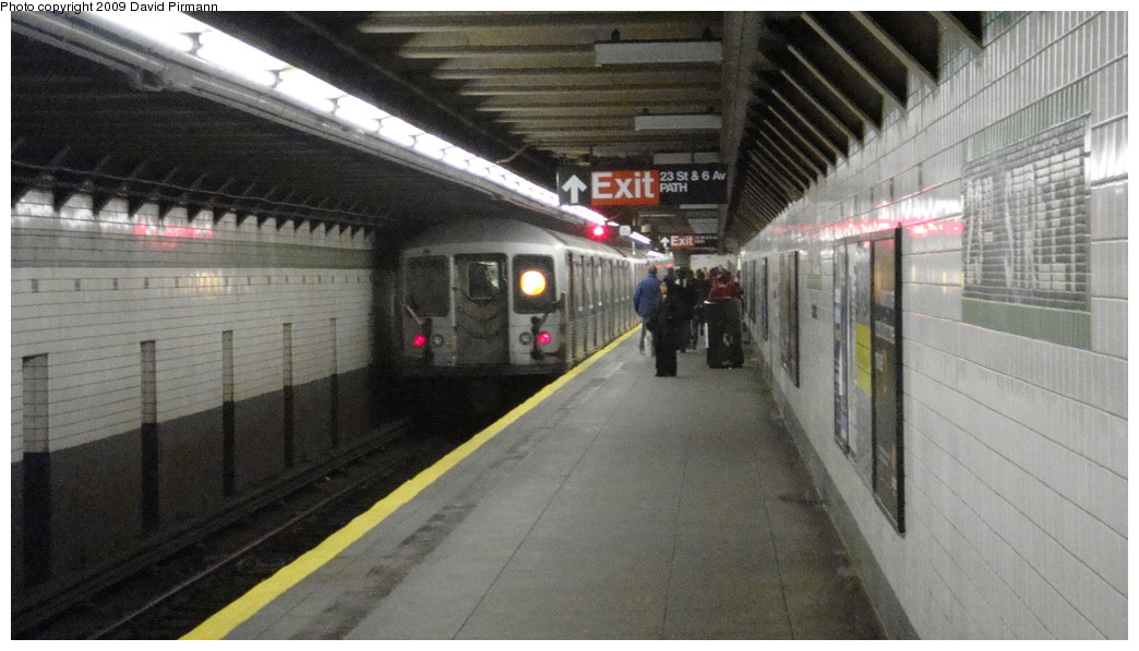 (178k, 1044x597)<br><b>Country:</b> United States<br><b>City:</b> New York<br><b>System:</b> New York City Transit<br><b>Line:</b> IND 6th Avenue Line<br><b>Location:</b> 23rd Street <br><b>Route:</b> F<br><b>Car:</b> R-42 (St. Louis, 1969-1970)  4594 <br><b>Photo by:</b> David Pirmann<br><b>Date:</b> 4/13/2009<br><b>Viewed (this week/total):</b> 2 / 1130