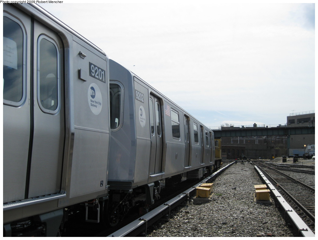 (175k, 1044x788)<br><b>Country:</b> United States<br><b>City:</b> New York<br><b>System:</b> New York City Transit<br><b>Location:</b> 207th Street Yard<br><b>Car:</b> R-160B (Option 1) (Kawasaki, 2008-2009)  9202 <br><b>Photo by:</b> Robert Mencher<br><b>Date:</b> 4/18/2009<br><b>Viewed (this week/total):</b> 1 / 442