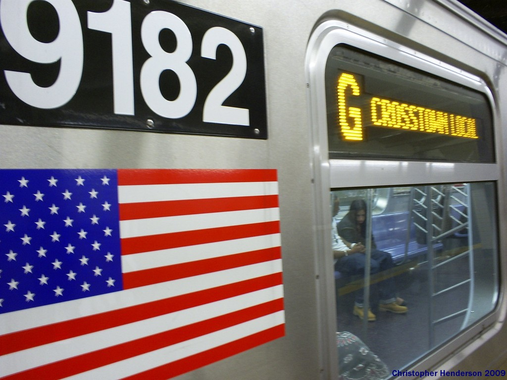 (161k, 1024x768)<br><b>Country:</b> United States<br><b>City:</b> New York<br><b>System:</b> New York City Transit<br><b>Line:</b> IND Crosstown Line<br><b>Location:</b> Court Square <br><b>Route:</b> G<br><b>Car:</b> R-160B (Option 1) (Kawasaki, 2008-2009)  9182 <br><b>Photo by:</b> Christopher Henderson<br><b>Date:</b> 4/18/2009<br><b>Viewed (this week/total):</b> 0 / 2720