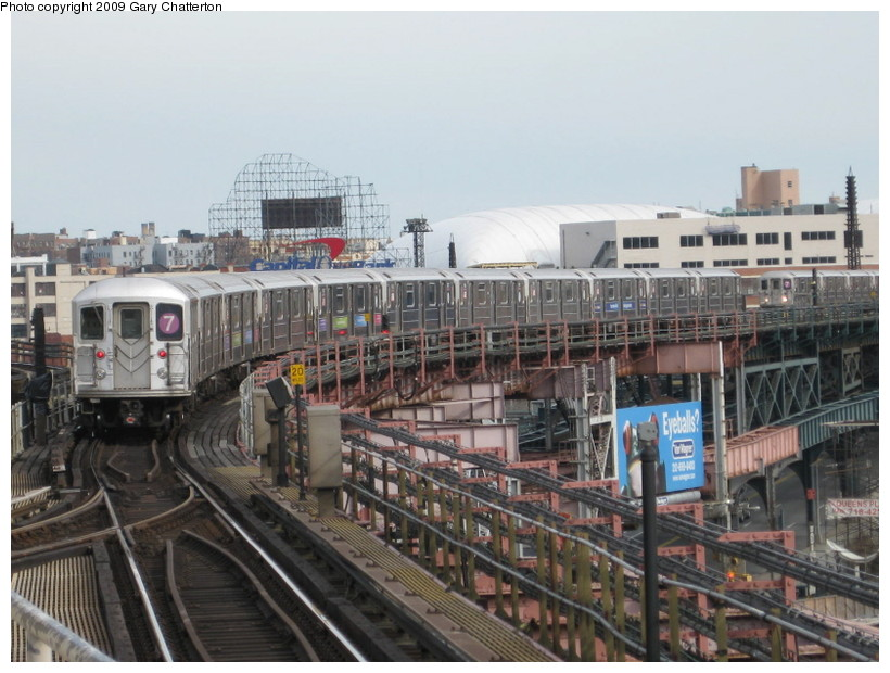 (143k, 820x620)<br><b>Country:</b> United States<br><b>City:</b> New York<br><b>System:</b> New York City Transit<br><b>Line:</b> IRT Flushing Line<br><b>Location:</b> Queensborough Plaza <br><b>Route:</b> 7<br><b>Car:</b> R-62A (Bombardier, 1984-1987)  1821 <br><b>Photo by:</b> Gary Chatterton<br><b>Date:</b> 4/15/2009<br><b>Viewed (this week/total):</b> 0 / 877