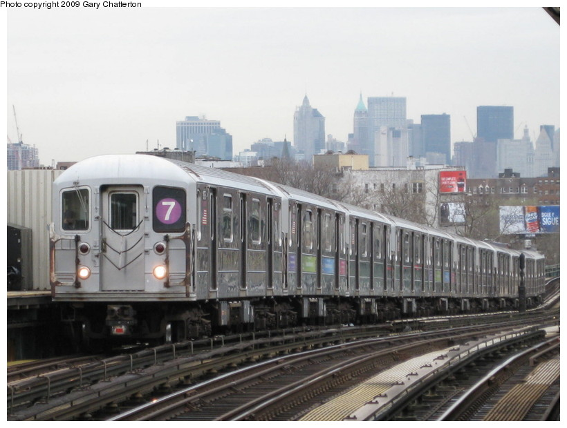 (124k, 820x620)<br><b>Country:</b> United States<br><b>City:</b> New York<br><b>System:</b> New York City Transit<br><b>Line:</b> IRT Flushing Line<br><b>Location:</b> 52nd Street/Lincoln Avenue <br><b>Route:</b> 7<br><b>Car:</b> R-62A (Bombardier, 1984-1987)  1975 <br><b>Photo by:</b> Gary Chatterton<br><b>Date:</b> 4/15/2009<br><b>Viewed (this week/total):</b> 3 / 586