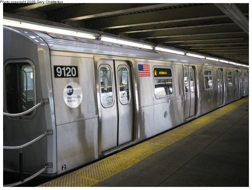(126k, 820x620)<br><b>Country:</b> United States<br><b>City:</b> New York<br><b>System:</b> New York City Transit<br><b>Line:</b> BMT Astoria Line<br><b>Location:</b> Queensborough Plaza <br><b>Route:</b> W<br><b>Car:</b> R-160B (Option 1) (Kawasaki, 2008-2009)  9120 <br><b>Photo by:</b> Gary Chatterton<br><b>Date:</b> 4/15/2009<br><b>Viewed (this week/total):</b> 2 / 1206