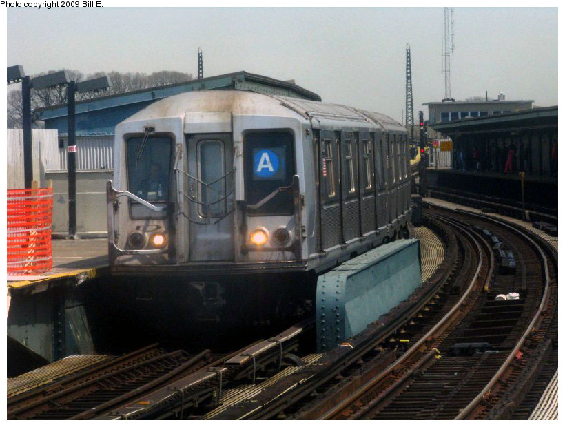 (176k, 820x620)<br><b>Country:</b> United States<br><b>City:</b> New York<br><b>System:</b> New York City Transit<br><b>Line:</b> IND Fulton Street Line<br><b>Location:</b> Rockaway Boulevard <br><b>Route:</b> A<br><b>Car:</b> R-40 (St. Louis, 1968)   <br><b>Photo by:</b> Bill E.<br><b>Date:</b> 4/17/2009<br><b>Viewed (this week/total):</b> 1 / 785