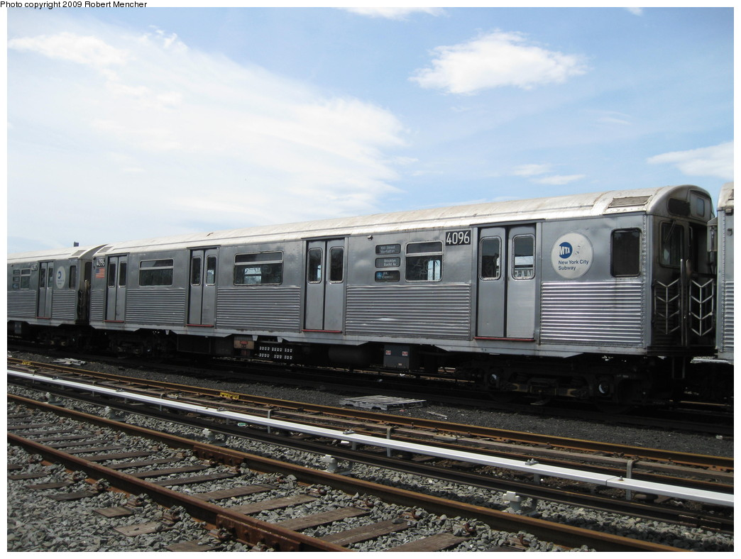 (215k, 1044x788)<br><b>Country:</b> United States<br><b>City:</b> New York<br><b>System:</b> New York City Transit<br><b>Location:</b> 207th Street Yard<br><b>Car:</b> R-38 (St. Louis, 1966-1967)  4096 <br><b>Photo by:</b> Robert Mencher<br><b>Date:</b> 4/18/2009<br><b>Viewed (this week/total):</b> 1 / 675