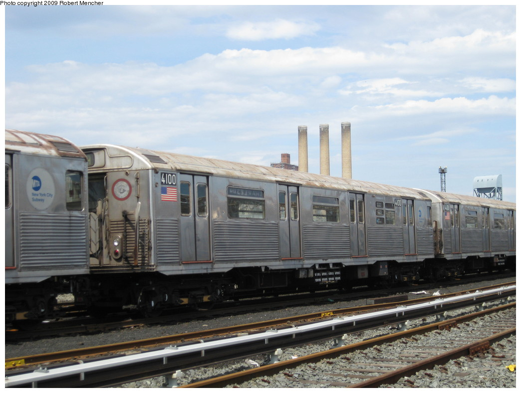 (196k, 1044x788)<br><b>Country:</b> United States<br><b>City:</b> New York<br><b>System:</b> New York City Transit<br><b>Location:</b> 207th Street Yard<br><b>Car:</b> R-38 (St. Louis, 1966-1967)  4100 <br><b>Photo by:</b> Robert Mencher<br><b>Date:</b> 4/18/2009<br><b>Viewed (this week/total):</b> 0 / 310