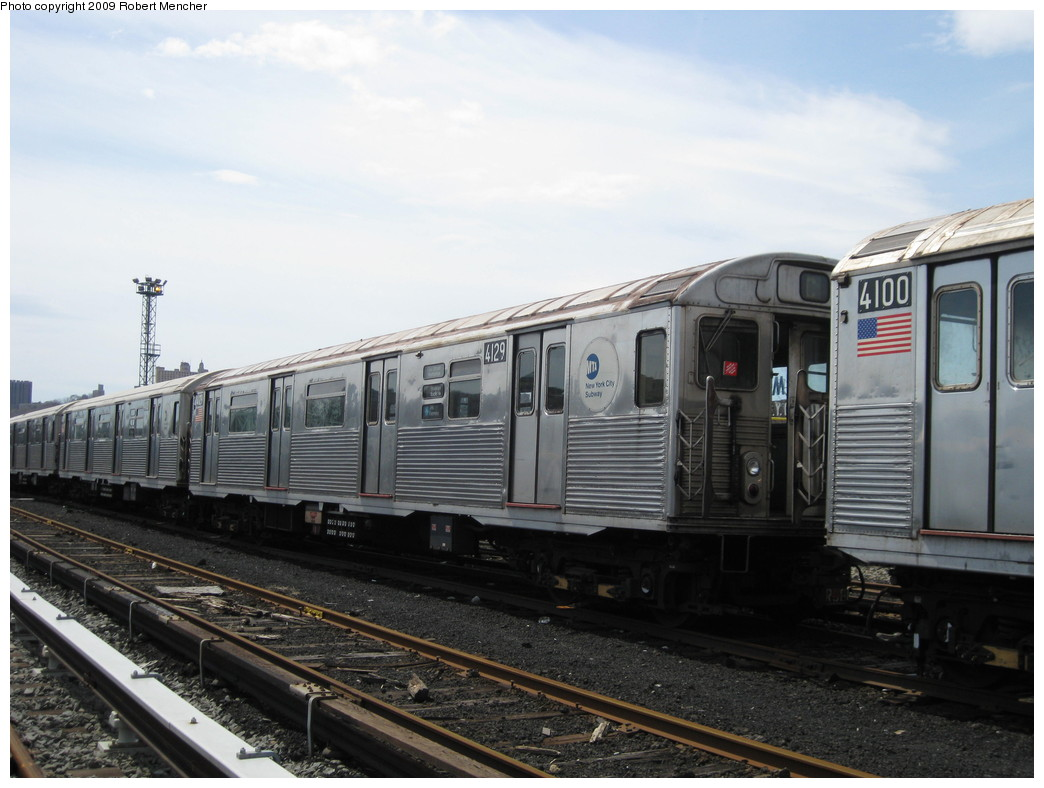(190k, 1044x788)<br><b>Country:</b> United States<br><b>City:</b> New York<br><b>System:</b> New York City Transit<br><b>Location:</b> 207th Street Yard<br><b>Car:</b> R-38 (St. Louis, 1966-1967)  4129 <br><b>Photo by:</b> Robert Mencher<br><b>Date:</b> 4/18/2009<br><b>Viewed (this week/total):</b> 2 / 476