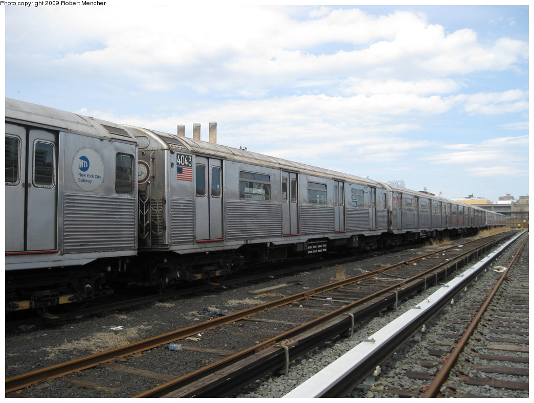 (206k, 1044x788)<br><b>Country:</b> United States<br><b>City:</b> New York<br><b>System:</b> New York City Transit<br><b>Location:</b> 207th Street Yard<br><b>Car:</b> R-38 (St. Louis, 1966-1967)  4043 <br><b>Photo by:</b> Robert Mencher<br><b>Date:</b> 4/18/2009<br><b>Viewed (this week/total):</b> 0 / 568