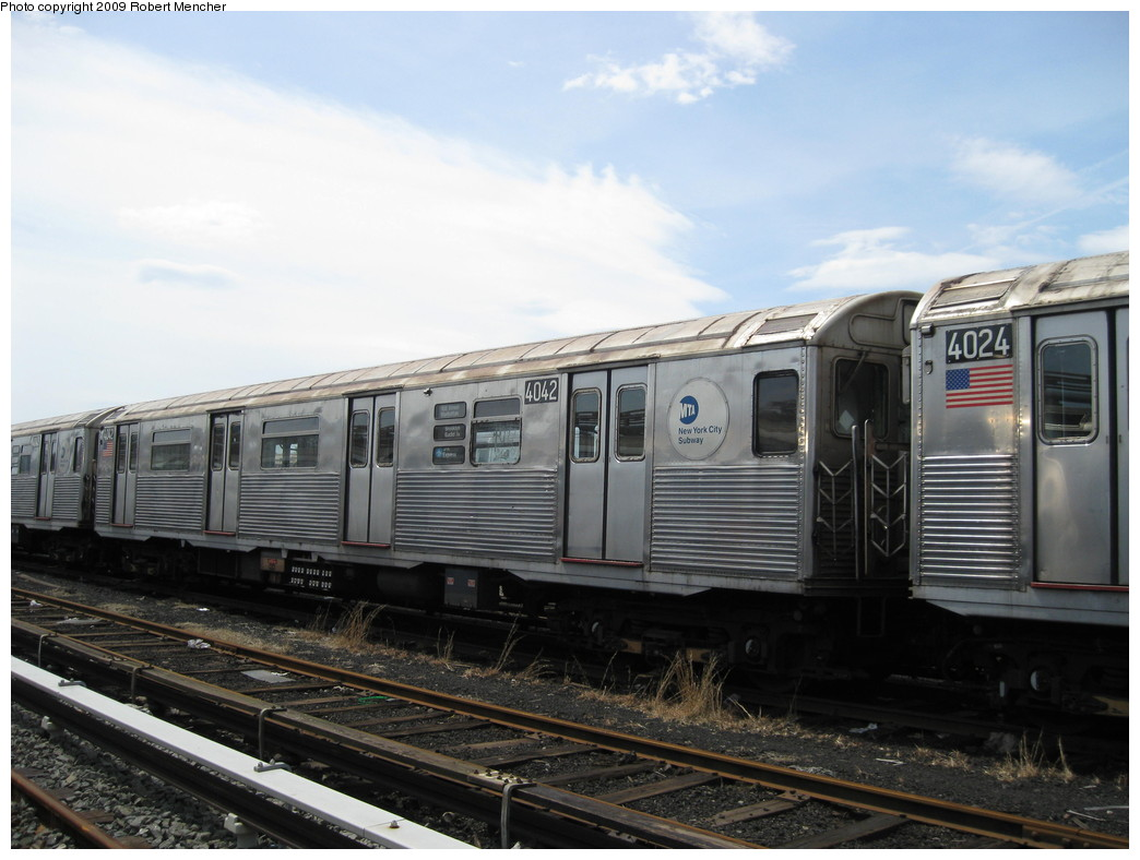 (190k, 1044x788)<br><b>Country:</b> United States<br><b>City:</b> New York<br><b>System:</b> New York City Transit<br><b>Location:</b> 207th Street Yard<br><b>Car:</b> R-38 (St. Louis, 1966-1967)  4042 <br><b>Photo by:</b> Robert Mencher<br><b>Date:</b> 4/18/2009<br><b>Viewed (this week/total):</b> 0 / 415