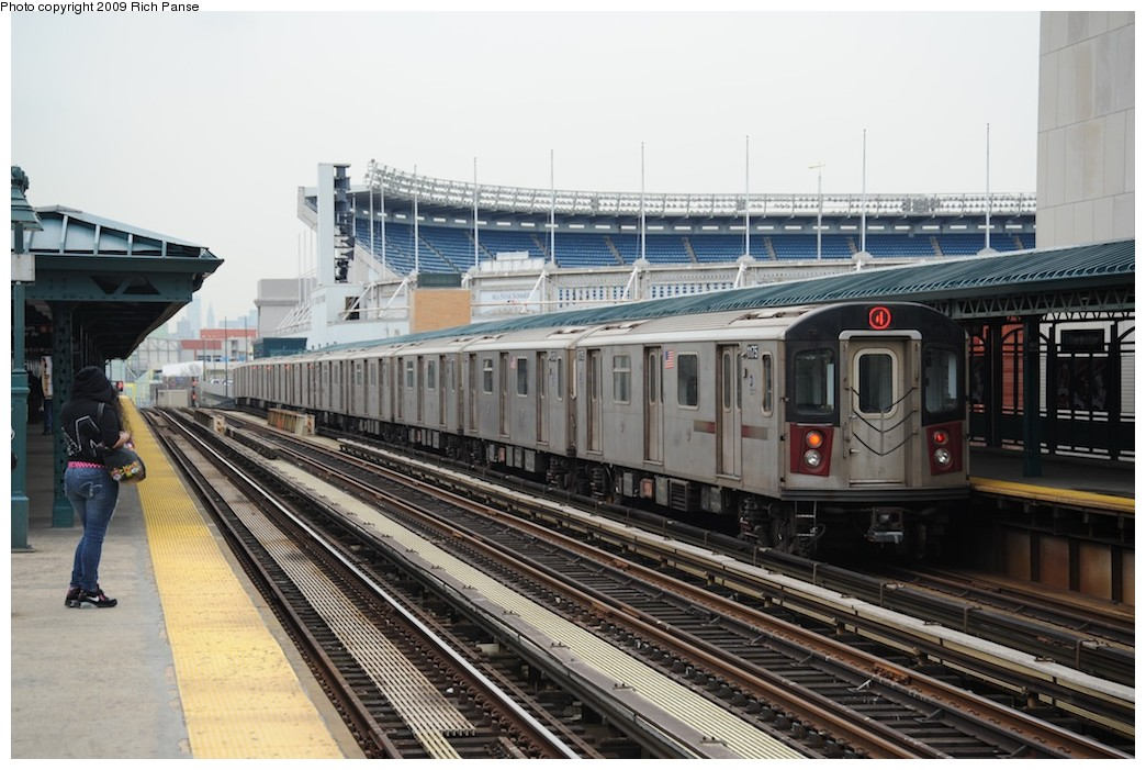 (196k, 1044x701)<br><b>Country:</b> United States<br><b>City:</b> New York<br><b>System:</b> New York City Transit<br><b>Line:</b> IRT Woodlawn Line<br><b>Location:</b> 161st Street/River Avenue (Yankee Stadium) <br><b>Route:</b> 4<br><b>Car:</b> R-142 (Option Order, Bombardier, 2002-2003)  1175 <br><b>Photo by:</b> Richard Panse<br><b>Date:</b> 4/22/2009<br><b>Viewed (this week/total):</b> 4 / 1289