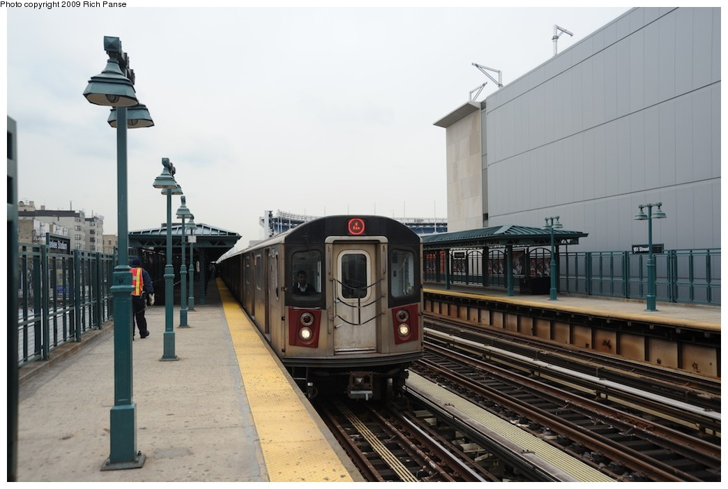 (156k, 1044x701)<br><b>Country:</b> United States<br><b>City:</b> New York<br><b>System:</b> New York City Transit<br><b>Line:</b> IRT Woodlawn Line<br><b>Location:</b> 161st Street/River Avenue (Yankee Stadium) <br><b>Route:</b> 4<br><b>Car:</b> R-142 or R-142A (Number Unknown)  <br><b>Photo by:</b> Richard Panse<br><b>Date:</b> 4/22/2009<br><b>Viewed (this week/total):</b> 0 / 1013