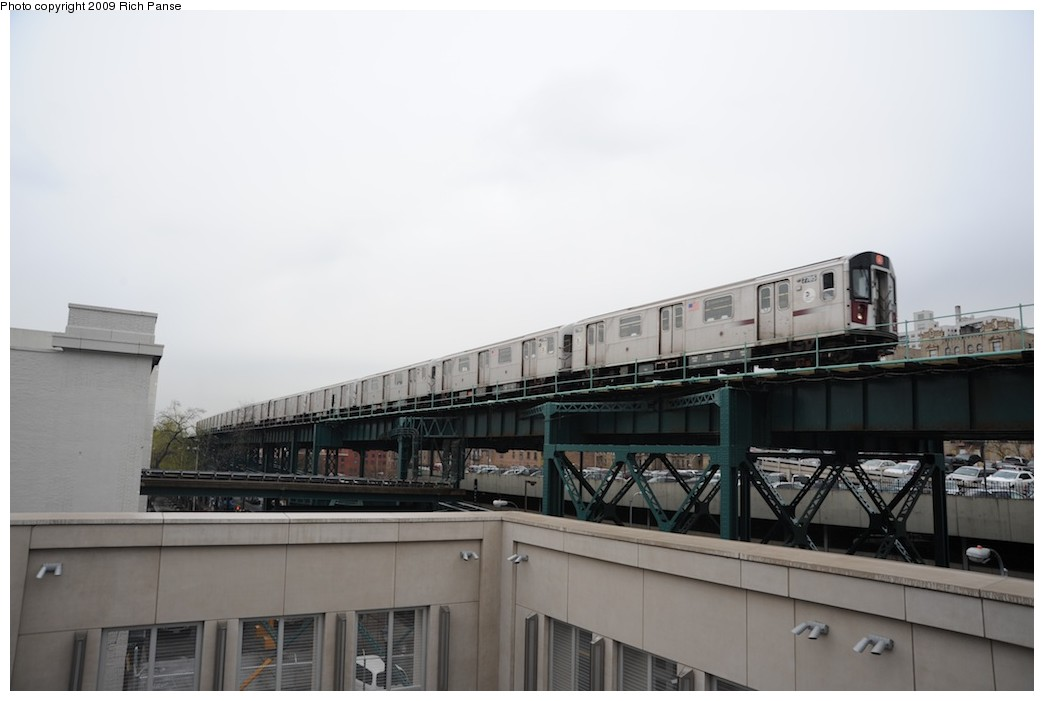 (113k, 1044x701)<br><b>Country:</b> United States<br><b>City:</b> New York<br><b>System:</b> New York City Transit<br><b>Line:</b> IRT Woodlawn Line<br><b>Location:</b> 161st Street/River Avenue (Yankee Stadium) <br><b>Route:</b> 4<br><b>Car:</b> R-142A (Supplemental Order, Kawasaki, 2003-2004)  7785 <br><b>Photo by:</b> Richard Panse<br><b>Date:</b> 4/22/2009<br><b>Viewed (this week/total):</b> 3 / 928