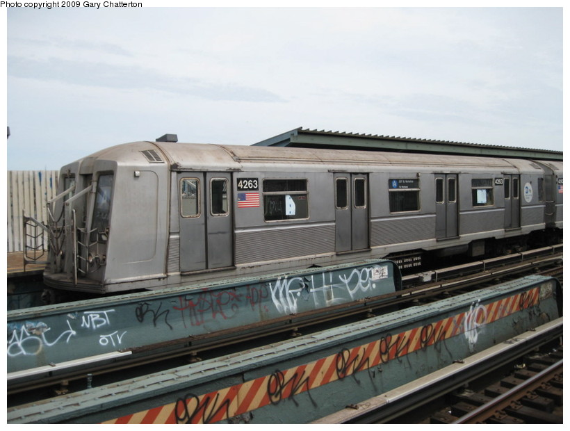 (120k, 820x620)<br><b>Country:</b> United States<br><b>City:</b> New York<br><b>System:</b> New York City Transit<br><b>Line:</b> IND Fulton Street Line<br><b>Location:</b> 80th Street/Hudson Street <br><b>Route:</b> A<br><b>Car:</b> R-40 (St. Louis, 1968)  4263 <br><b>Photo by:</b> Gary Chatterton<br><b>Date:</b> 4/29/2009<br><b>Viewed (this week/total):</b> 5 / 771