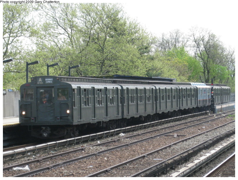 (188k, 820x620)<br><b>Country:</b> United States<br><b>City:</b> New York<br><b>System:</b> New York City Transit<br><b>Line:</b> IND Rockaway<br><b>Location:</b> Aqueduct/North Conduit Avenue <br><b>Route:</b> Museum Train Service (A)<br><b>Car:</b> R-1 (American Car & Foundry, 1930-1931) 381 <br><b>Photo by:</b> Gary Chatterton<br><b>Date:</b> 4/29/2009<br><b>Notes:</b> Duke Ellington Day promotion by Jet Blue & the Bahamas.<br><b>Viewed (this week/total):</b> 3 / 923