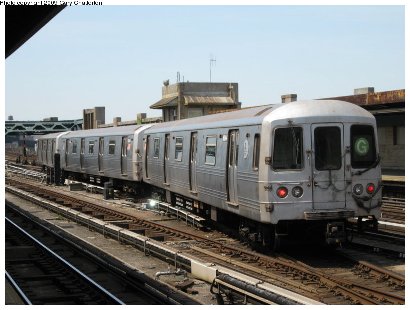 (124k, 820x620)<br><b>Country:</b> United States<br><b>City:</b> New York<br><b>System:</b> New York City Transit<br><b>Line:</b> IND Crosstown Line<br><b>Location:</b> 4th Avenue <br><b>Route:</b> G<br><b>Car:</b> R-46 (Pullman-Standard, 1974-75) 6044 <br><b>Photo by:</b> Gary Chatterton<br><b>Date:</b> 4/28/2009<br><b>Viewed (this week/total):</b> 2 / 1145
