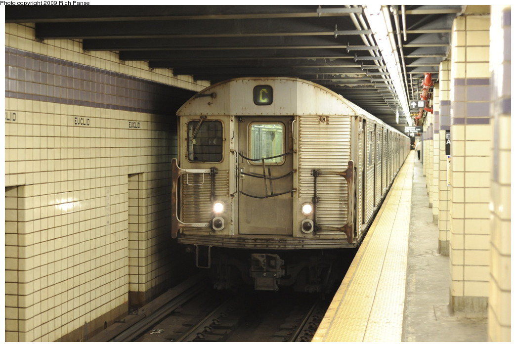 (180k, 1044x702)<br><b>Country:</b> United States<br><b>City:</b> New York<br><b>System:</b> New York City Transit<br><b>Line:</b> IND Fulton Street Line<br><b>Location:</b> Euclid Avenue <br><b>Route:</b> C<br><b>Car:</b> R-32 (Budd, 1964)  3425 <br><b>Photo by:</b> Richard Panse<br><b>Date:</b> 4/29/2009<br><b>Viewed (this week/total):</b> 6 / 868