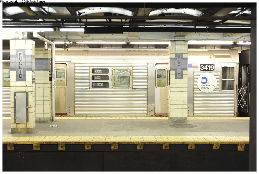 (180k, 1044x702)<br><b>Country:</b> United States<br><b>City:</b> New York<br><b>System:</b> New York City Transit<br><b>Line:</b> IND Fulton Street Line<br><b>Location:</b> Euclid Avenue <br><b>Route:</b> C<br><b>Car:</b> R-32 (Budd, 1964)  3419 <br><b>Photo by:</b> Richard Panse<br><b>Date:</b> 4/29/2009<br><b>Viewed (this week/total):</b> 3 / 1166