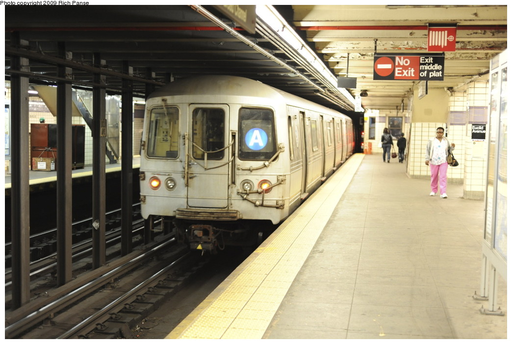 (188k, 1044x702)<br><b>Country:</b> United States<br><b>City:</b> New York<br><b>System:</b> New York City Transit<br><b>Line:</b> IND Fulton Street Line<br><b>Location:</b> Euclid Avenue <br><b>Route:</b> A<br><b>Car:</b> R-44 (St. Louis, 1971-73)  <br><b>Photo by:</b> Richard Panse<br><b>Date:</b> 4/29/2009<br><b>Viewed (this week/total):</b> 0 / 919