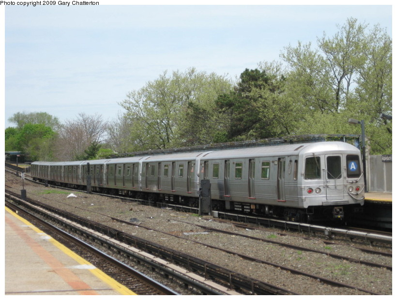 (152k, 820x620)<br><b>Country:</b> United States<br><b>City:</b> New York<br><b>System:</b> New York City Transit<br><b>Line:</b> IND Rockaway<br><b>Location:</b> Aqueduct/North Conduit Avenue <br><b>Route:</b> A<br><b>Car:</b> R-46 (Pullman-Standard, 1974-75) 6148 <br><b>Photo by:</b> Gary Chatterton<br><b>Date:</b> 4/29/2009<br><b>Viewed (this week/total):</b> 1 / 904