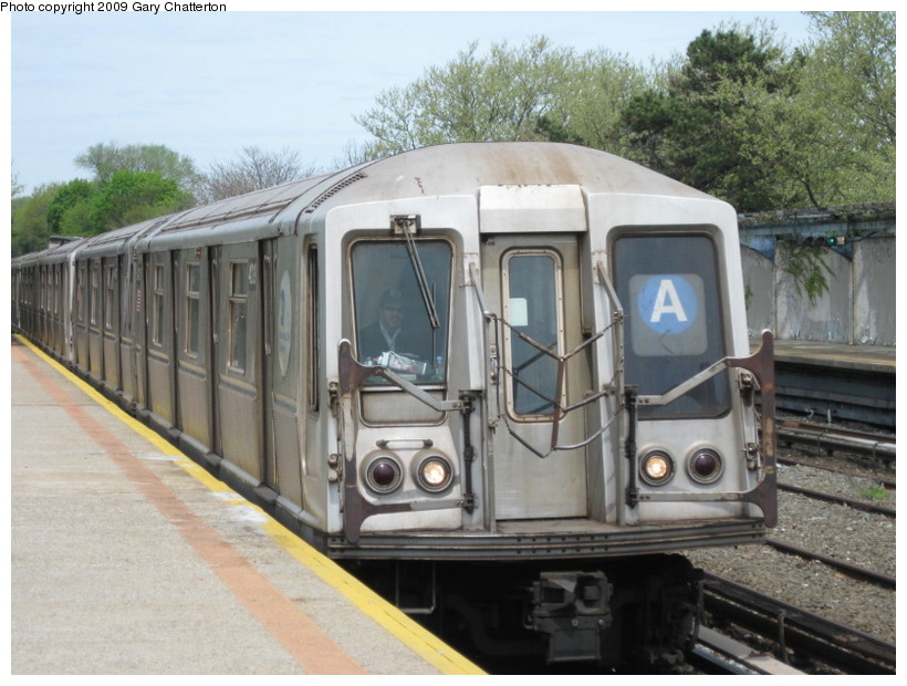 (142k, 820x620)<br><b>Country:</b> United States<br><b>City:</b> New York<br><b>System:</b> New York City Transit<br><b>Line:</b> IND Rockaway<br><b>Location:</b> Aqueduct/North Conduit Avenue <br><b>Route:</b> A<br><b>Car:</b> R-40 (St. Louis, 1968)  4219 <br><b>Photo by:</b> Gary Chatterton<br><b>Date:</b> 4/29/2009<br><b>Viewed (this week/total):</b> 3 / 824
