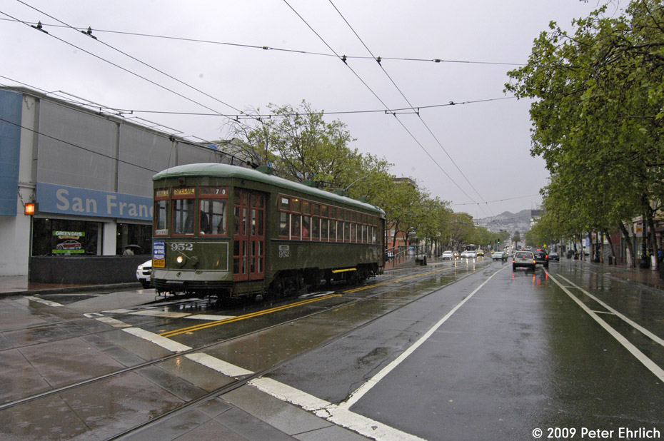 (216k, 930x618)<br><b>Country:</b> United States<br><b>City:</b> San Francisco/Bay Area, CA<br><b>System:</b> SF MUNI<br><b>Location:</b> Market/Van Ness <br><b>Car:</b> New Orleans Public Service (Perley A. Thomas Car Works, 1924) 952 <br><b>Photo by:</b> Peter Ehrlich<br><b>Date:</b> 4/7/2009<br><b>Notes:</b> Inbound.<br><b>Viewed (this week/total):</b> 0 / 419
