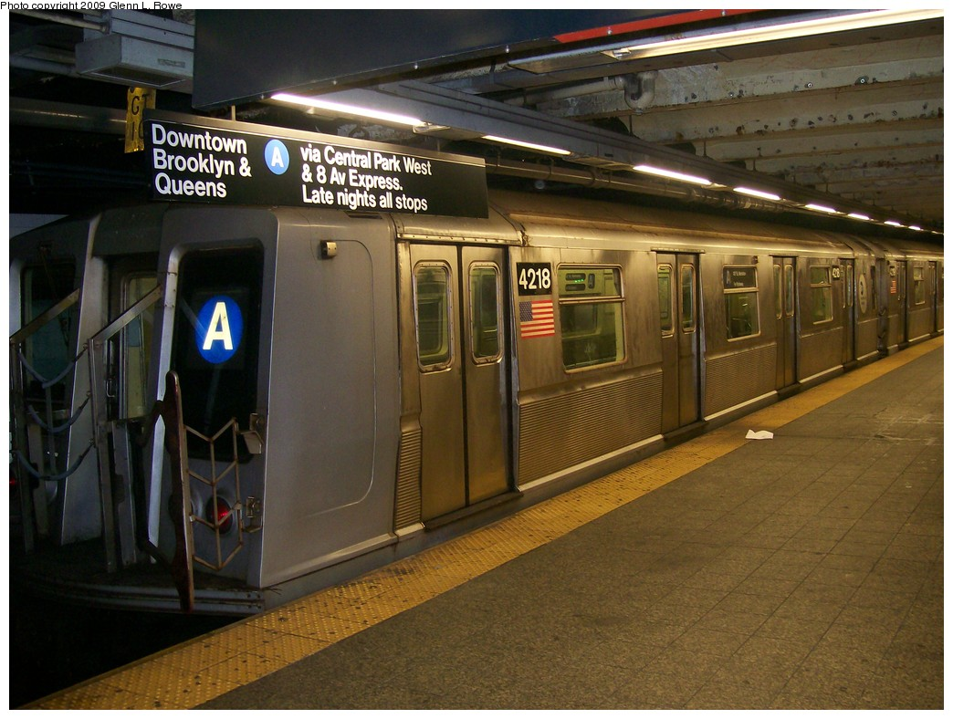 (216k, 1044x788)<br><b>Country:</b> United States<br><b>City:</b> New York<br><b>System:</b> New York City Transit<br><b>Line:</b> IND 8th Avenue Line<br><b>Location:</b> 207th Street <br><b>Route:</b> A<br><b>Car:</b> R-40 (St. Louis, 1968)  4218 <br><b>Photo by:</b> Glenn L. Rowe<br><b>Date:</b> 5/14/2009<br><b>Viewed (this week/total):</b> 0 / 700