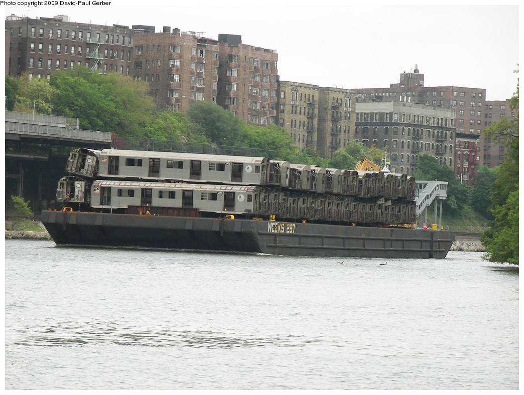 (275k, 1044x788)<br><b>Country:</b> United States<br><b>City:</b> New York<br><b>System:</b> New York City Transit<br><b>Location:</b> Harlem River Ship Canal<br><b>Car:</b> R-38 (St. Louis, 1966-1967)  3974/4129 <br><b>Photo by:</b> David-Paul Gerber<br><b>Date:</b> 5/16/2009<br><b>Viewed (this week/total):</b> 1 / 1119