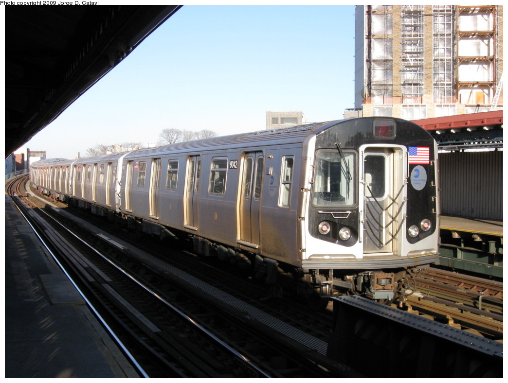 (199k, 1044x788)<br><b>Country:</b> United States<br><b>City:</b> New York<br><b>System:</b> New York City Transit<br><b>Line:</b> BMT Astoria Line<br><b>Location:</b> 30th/Grand Aves. <br><b>Route:</b> N layup<br><b>Car:</b> R-160B (Option 1) (Kawasaki, 2008-2009)  9042 <br><b>Photo by:</b> Jorge Catayi<br><b>Date:</b> 2/1/2009<br><b>Viewed (this week/total):</b> 1 / 867
