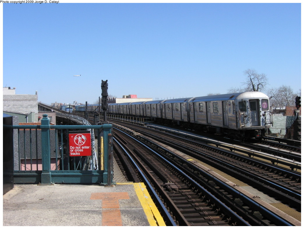 (206k, 1044x788)<br><b>Country:</b> United States<br><b>City:</b> New York<br><b>System:</b> New York City Transit<br><b>Line:</b> IRT Flushing Line<br><b>Location:</b> 103rd Street/Corona Plaza <br><b>Route:</b> 7<br><b>Car:</b> R-62A (Bombardier, 1984-1987)  1680 <br><b>Photo by:</b> Jorge Catayi<br><b>Date:</b> 3/21/2009<br><b>Viewed (this week/total):</b> 1 / 1195