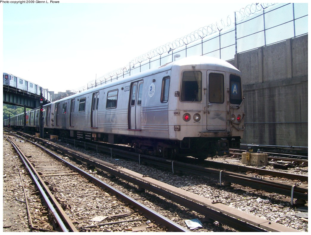 (271k, 1044x788)<br><b>Country:</b> United States<br><b>City:</b> New York<br><b>System:</b> New York City Transit<br><b>Location:</b> 207th Street Yard<br><b>Car:</b> R-46 (Pullman-Standard, 1974-75) 6126 <br><b>Photo by:</b> Glenn L. Rowe<br><b>Date:</b> 5/20/2009<br><b>Viewed (this week/total):</b> 0 / 863