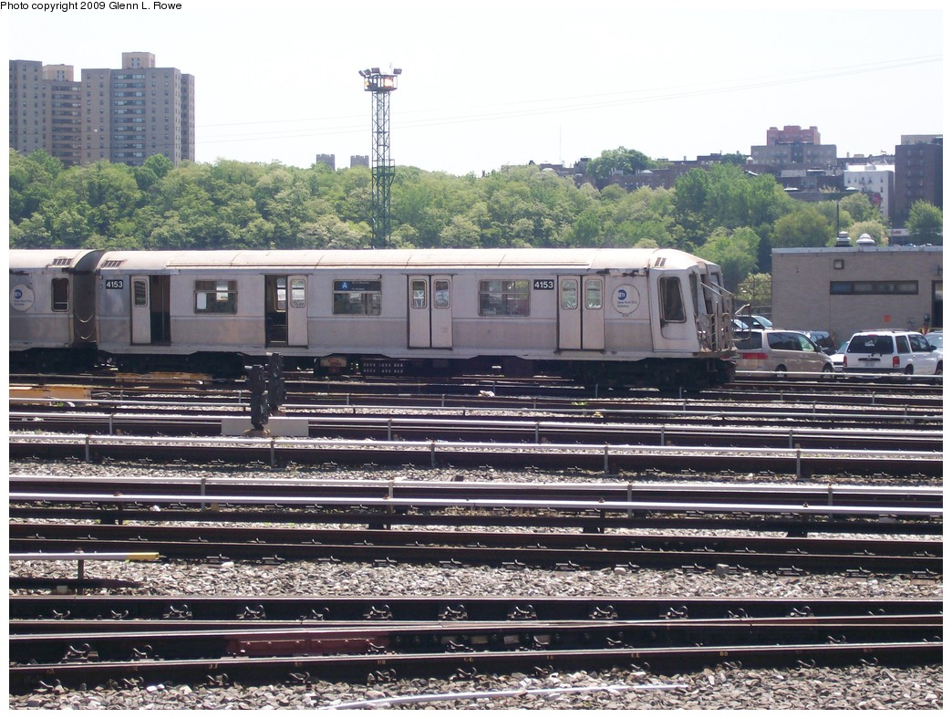 (266k, 1044x788)<br><b>Country:</b> United States<br><b>City:</b> New York<br><b>System:</b> New York City Transit<br><b>Location:</b> 207th Street Yard<br><b>Car:</b> R-40 (St. Louis, 1968)  4153 <br><b>Photo by:</b> Glenn L. Rowe<br><b>Date:</b> 5/20/2009<br><b>Viewed (this week/total):</b> 2 / 699