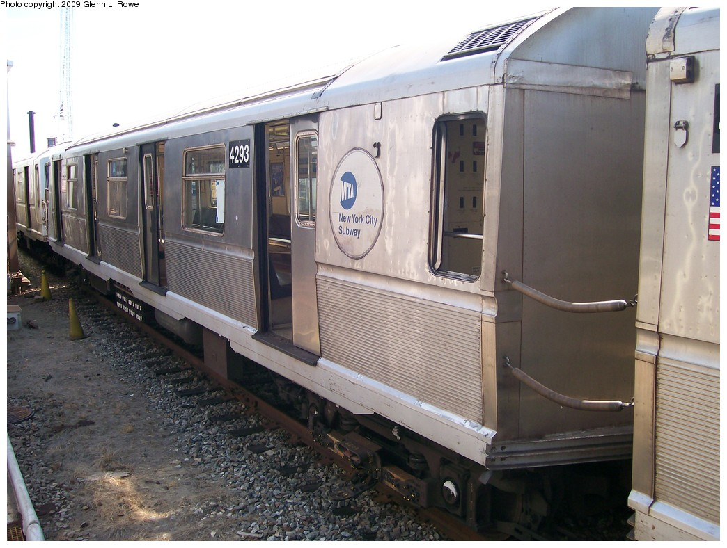 (214k, 1044x788)<br><b>Country:</b> United States<br><b>City:</b> New York<br><b>System:</b> New York City Transit<br><b>Location:</b> 207th Street Yard<br><b>Car:</b> R-40 (St. Louis, 1968)  4293 <br><b>Photo by:</b> Glenn L. Rowe<br><b>Date:</b> 5/22/2009<br><b>Viewed (this week/total):</b> 1 / 536