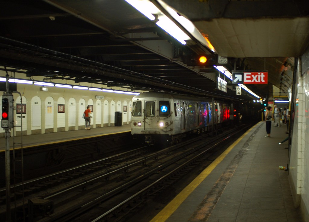 (199k, 1024x736)<br><b>Country:</b> United States<br><b>City:</b> New York<br><b>System:</b> New York City Transit<br><b>Line:</b> IND 8th Avenue Line<br><b>Location:</b> 181st Street <br><b>Route:</b> A<br><b>Car:</b> R-46 (Pullman-Standard, 1974-75) 6182 <br><b>Photo by:</b> Brian Weinberg<br><b>Date:</b> 8/2/2009<br><b>Viewed (this week/total):</b> 0 / 1374