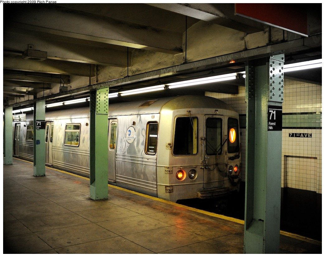 (207k, 1044x826)<br><b>Country:</b> United States<br><b>City:</b> New York<br><b>System:</b> New York City Transit<br><b>Line:</b> IND Queens Boulevard Line<br><b>Location:</b> 71st/Continental Aves./Forest Hills <br><b>Route:</b> V<br><b>Car:</b> R-46 (Pullman-Standard, 1974-75)  <br><b>Photo by:</b> Richard Panse<br><b>Date:</b> 3/25/2009<br><b>Viewed (this week/total):</b> 2 / 1029