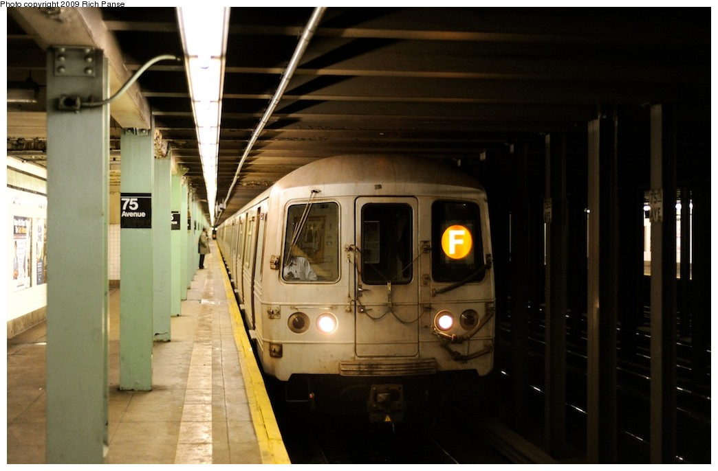 (132k, 1044x686)<br><b>Country:</b> United States<br><b>City:</b> New York<br><b>System:</b> New York City Transit<br><b>Line:</b> IND Queens Boulevard Line<br><b>Location:</b> 75th Avenue <br><b>Route:</b> F<br><b>Car:</b> R-46 (Pullman-Standard, 1974-75) 5710 <br><b>Photo by:</b> Richard Panse<br><b>Date:</b> 3/30/2009<br><b>Viewed (this week/total):</b> 3 / 1058