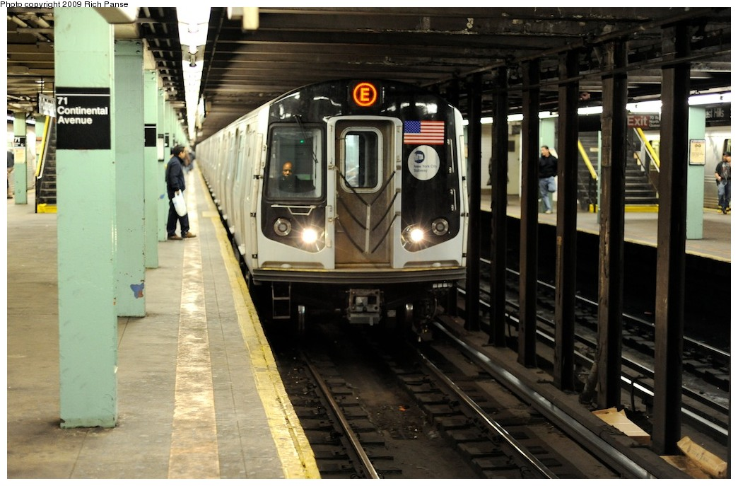 (181k, 1044x687)<br><b>Country:</b> United States<br><b>City:</b> New York<br><b>System:</b> New York City Transit<br><b>Line:</b> IND Queens Boulevard Line<br><b>Location:</b> 71st/Continental Aves./Forest Hills <br><b>Route:</b> E<br><b>Car:</b> R-160A (Option 1) (Alstom, 2008-2009, 5 car sets)   <br><b>Photo by:</b> Richard Panse<br><b>Date:</b> 3/30/2009<br><b>Viewed (this week/total):</b> 0 / 1260