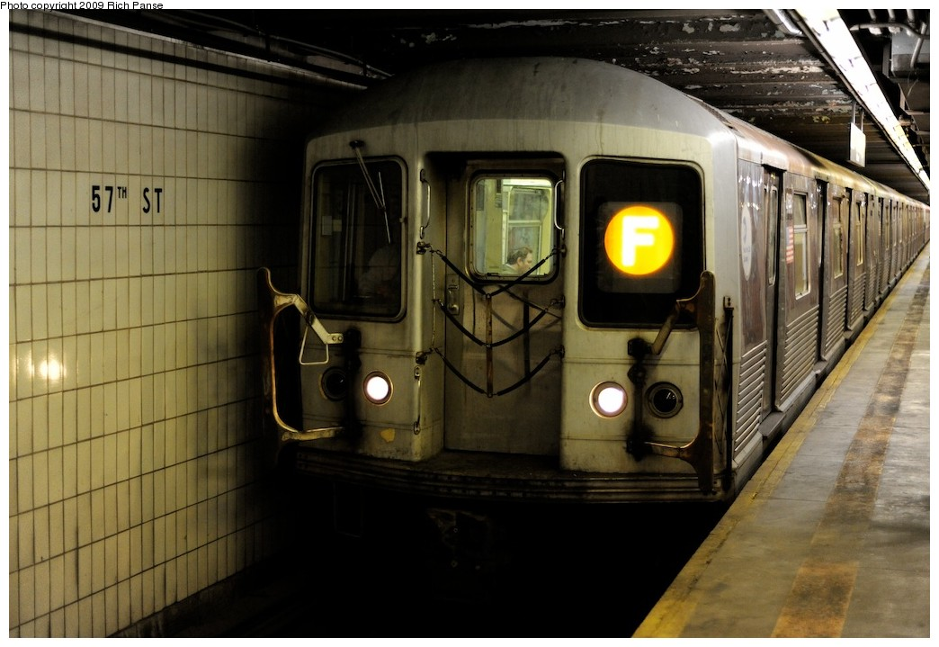 (172k, 1044x719)<br><b>Country:</b> United States<br><b>City:</b> New York<br><b>System:</b> New York City Transit<br><b>Line:</b> IND 6th Avenue Line<br><b>Location:</b> 57th Street <br><b>Route:</b> F<br><b>Car:</b> R-42 (St. Louis, 1969-1970)   <br><b>Photo by:</b> Richard Panse<br><b>Date:</b> 3/30/2009<br><b>Viewed (this week/total):</b> 4 / 1073