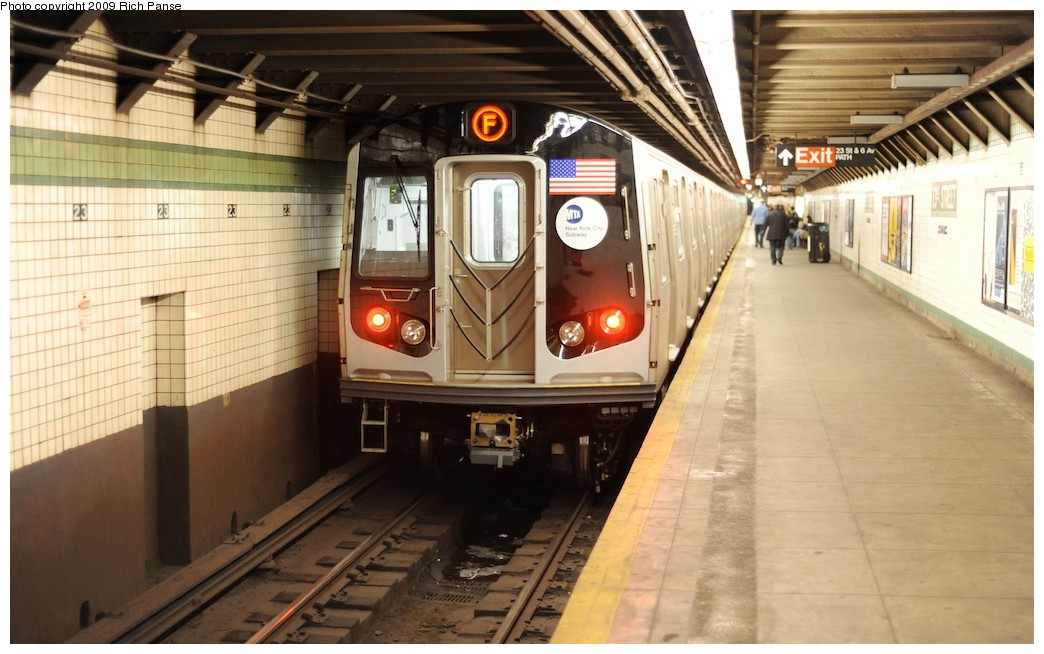 (172k, 1044x654)<br><b>Country:</b> United States<br><b>City:</b> New York<br><b>System:</b> New York City Transit<br><b>Line:</b> IND 6th Avenue Line<br><b>Location:</b> 23rd Street <br><b>Route:</b> F<br><b>Car:</b> R-160A (Option 1) (Alstom, 2008-2009, 5 car sets)   <br><b>Photo by:</b> Richard Panse<br><b>Date:</b> 3/30/2009<br><b>Viewed (this week/total):</b> 5 / 1520
