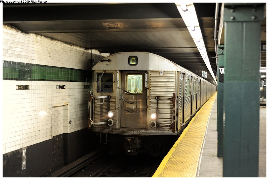 (160k, 1044x701)<br><b>Country:</b> United States<br><b>City:</b> New York<br><b>System:</b> New York City Transit<br><b>Line:</b> IND 8th Avenue Line<br><b>Location:</b> West 4th Street/Washington Square <br><b>Route:</b> C<br><b>Car:</b> R-32 (Budd, 1964)   <br><b>Photo by:</b> Richard Panse<br><b>Date:</b> 4/1/2009<br><b>Viewed (this week/total):</b> 2 / 650