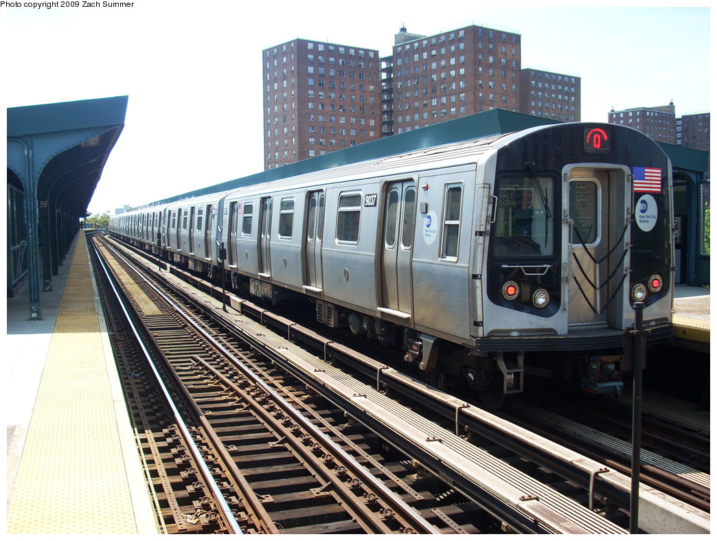 (324k, 1044x788)<br><b>Country:</b> United States<br><b>City:</b> New York<br><b>System:</b> New York City Transit<br><b>Line:</b> BMT Brighton Line<br><b>Location:</b> West 8th Street <br><b>Route:</b> Q<br><b>Car:</b> R-160B (Option 1) (Kawasaki, 2008-2009)  9037 <br><b>Photo by:</b> Zach Summer<br><b>Date:</b> 5/25/2009<br><b>Viewed (this week/total):</b> 0 / 1064
