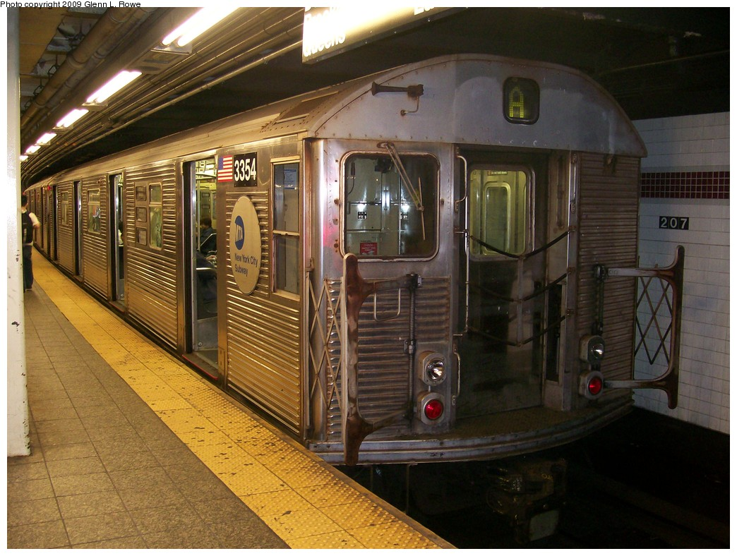 (233k, 1044x788)<br><b>Country:</b> United States<br><b>City:</b> New York<br><b>System:</b> New York City Transit<br><b>Line:</b> IND 8th Avenue Line<br><b>Location:</b> 207th Street <br><b>Route:</b> A<br><b>Car:</b> R-32 (Budd, 1964)  3354 <br><b>Photo by:</b> Glenn L. Rowe<br><b>Date:</b> 5/26/2009<br><b>Viewed (this week/total):</b> 3 / 471
