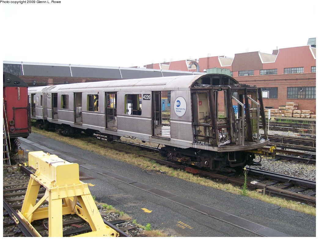 (238k, 1044x788)<br><b>Country:</b> United States<br><b>City:</b> New York<br><b>System:</b> New York City Transit<br><b>Location:</b> 207th Street Yard<br><b>Car:</b> R-40 (St. Louis, 1968)  4226 <br><b>Photo by:</b> Glenn L. Rowe<br><b>Date:</b> 5/27/2009<br><b>Notes:</b> Scrap<br><b>Viewed (this week/total):</b> 0 / 673