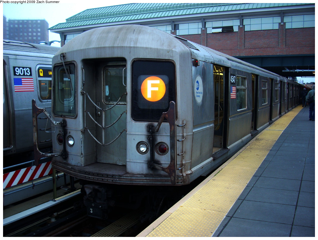 (284k, 1044x788)<br><b>Country:</b> United States<br><b>City:</b> New York<br><b>System:</b> New York City Transit<br><b>Location:</b> Coney Island/Stillwell Avenue<br><b>Route:</b> F<br><b>Car:</b> R-40M (St. Louis, 1969)  4547 <br><b>Photo by:</b> Zach Summer<br><b>Date:</b> 5/27/2009<br><b>Viewed (this week/total):</b> 1 / 1053