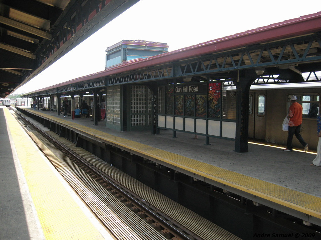 (230k, 1024x768)<br><b>Country:</b> United States<br><b>City:</b> New York<br><b>System:</b> New York City Transit<br><b>Line:</b> IRT White Plains Road Line<br><b>Location:</b> Gun Hill Road <br><b>Photo by:</b> Andre Samuel<br><b>Date:</b> 5/25/2009<br><b>Viewed (this week/total):</b> 4 / 1020