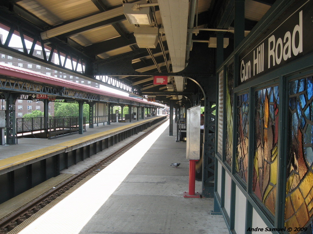 (268k, 1024x768)<br><b>Country:</b> United States<br><b>City:</b> New York<br><b>System:</b> New York City Transit<br><b>Line:</b> IRT White Plains Road Line<br><b>Location:</b> Gun Hill Road <br><b>Photo by:</b> Andre Samuel<br><b>Date:</b> 5/25/2009<br><b>Viewed (this week/total):</b> 0 / 1051