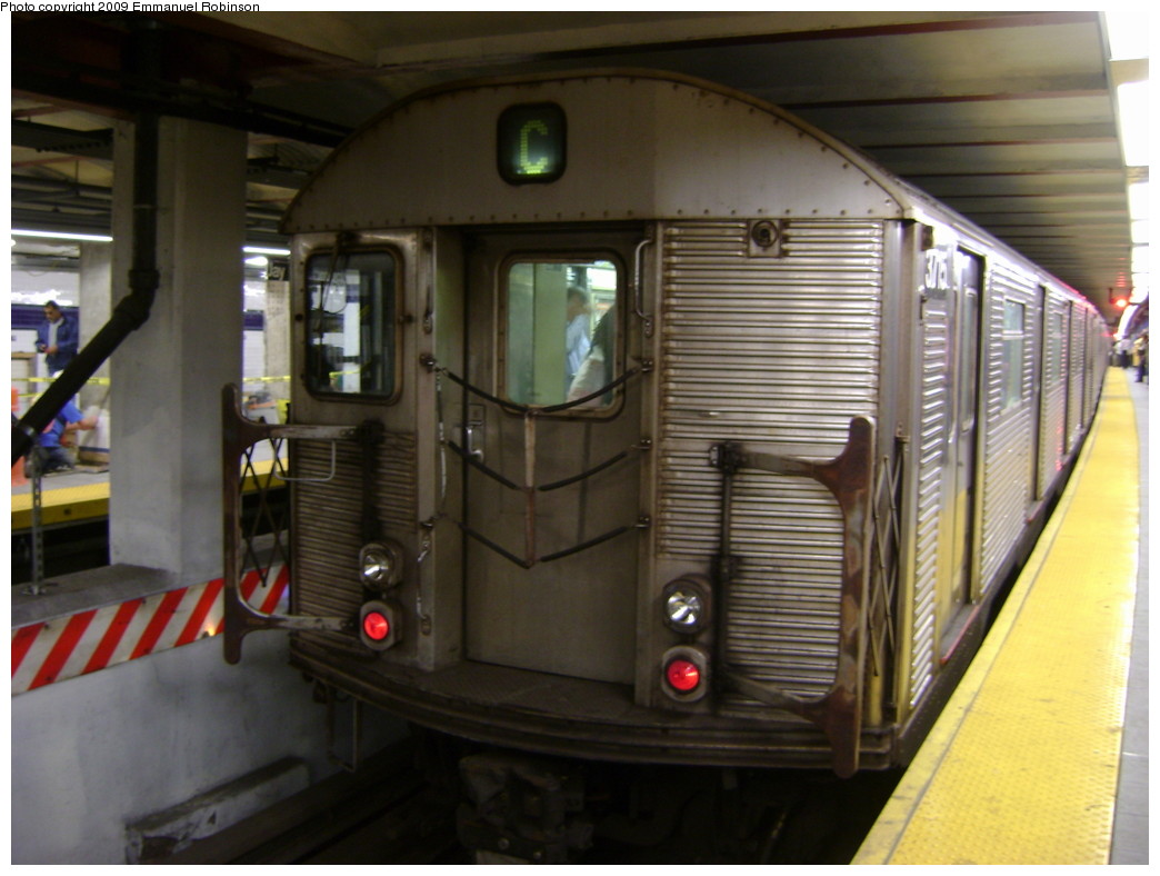 (199k, 1044x788)<br><b>Country:</b> United States<br><b>City:</b> New York<br><b>System:</b> New York City Transit<br><b>Line:</b> IND 8th Avenue Line<br><b>Location:</b> Jay St./Metrotech (Borough Hall) <br><b>Route:</b> C<br><b>Car:</b> R-32 (Budd, 1964)  3715 <br><b>Photo by:</b> Emmanuel Robinson<br><b>Date:</b> 6/1/2009<br><b>Viewed (this week/total):</b> 5 / 773