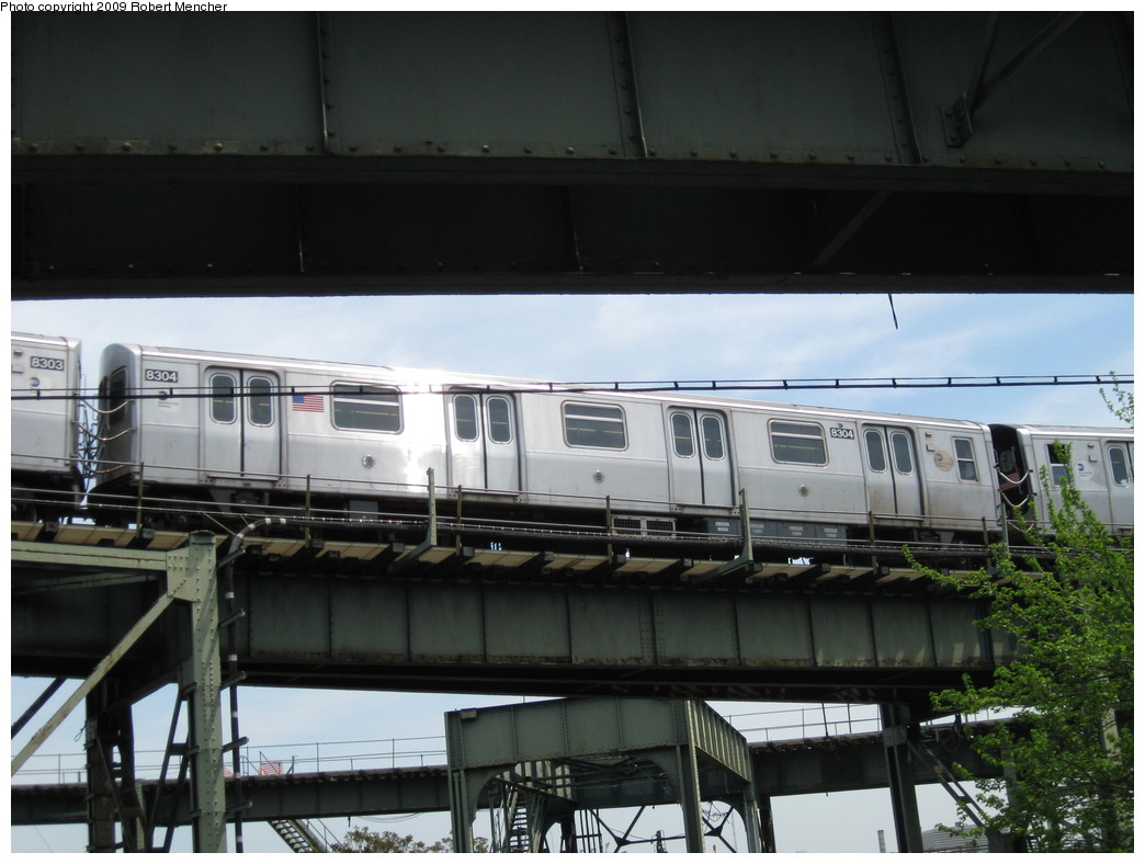 (184k, 1044x788)<br><b>Country:</b> United States<br><b>City:</b> New York<br><b>System:</b> New York City Transit<br><b>Line:</b> BMT Canarsie Line<br><b>Location:</b> Broadway Junction <br><b>Route:</b> L<br><b>Car:</b> R-143 (Kawasaki, 2001-2002) 8304 <br><b>Photo by:</b> Robert Mencher<br><b>Date:</b> 5/11/2009<br><b>Viewed (this week/total):</b> 0 / 727