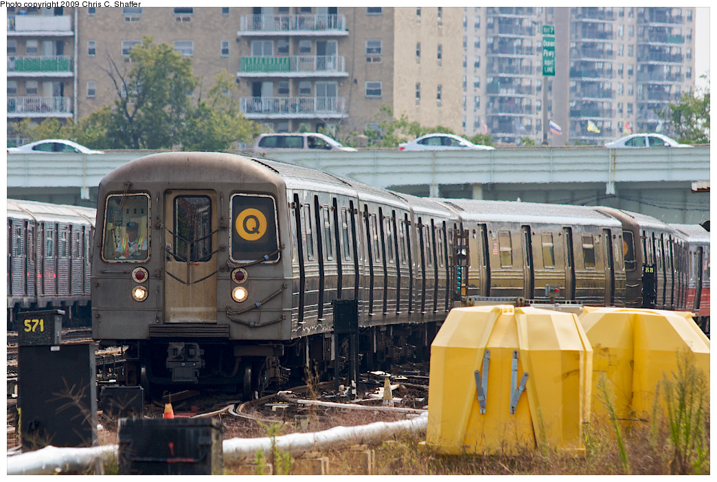 (286k, 1044x702)<br><b>Country:</b> United States<br><b>City:</b> New York<br><b>System:</b> New York City Transit<br><b>Location:</b> Coney Island Yard<br><b>Car:</b> R-68 (Westinghouse-Amrail, 1986-1988)  2808 <br><b>Photo by:</b> Chris C. Shaffer<br><b>Date:</b> 9/13/2008<br><b>Viewed (this week/total):</b> 1 / 959