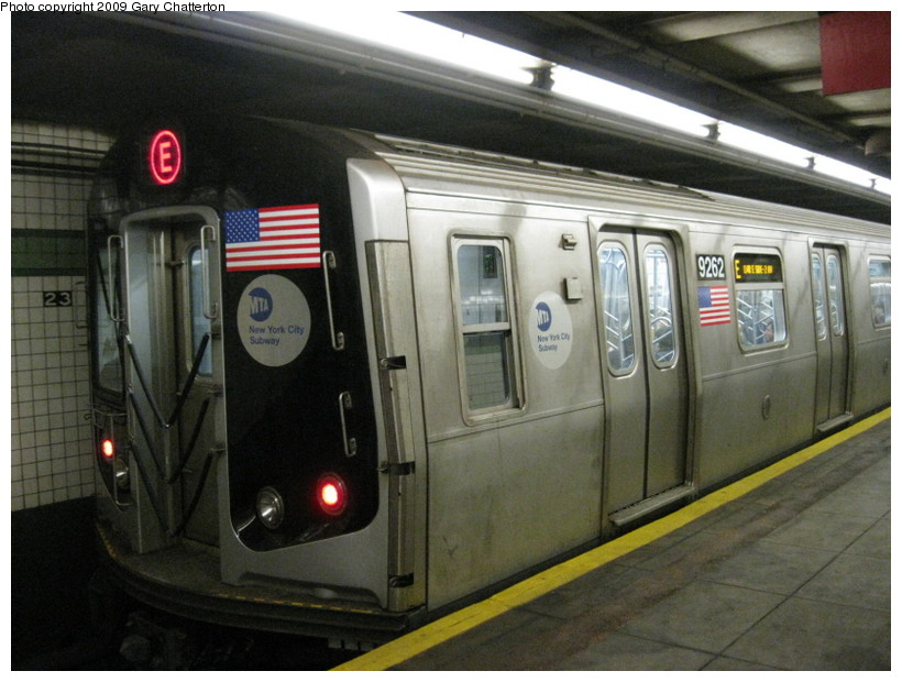 (132k, 820x620)<br><b>Country:</b> United States<br><b>City:</b> New York<br><b>System:</b> New York City Transit<br><b>Line:</b> IND 6th Avenue Line<br><b>Location:</b> 23rd Street <br><b>Route:</b> E reroute<br><b>Car:</b> R-160A (Option 1) (Alstom, 2008-2009, 5 car sets)  9262 <br><b>Photo by:</b> Gary Chatterton<br><b>Date:</b> 5/9/2009<br><b>Viewed (this week/total):</b> 2 / 976