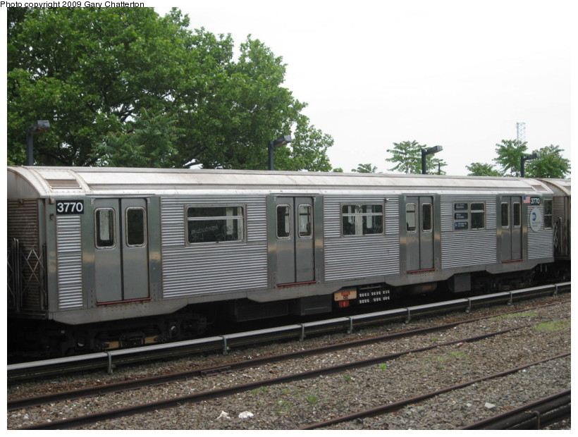 (152k, 820x620)<br><b>Country:</b> United States<br><b>City:</b> New York<br><b>System:</b> New York City Transit<br><b>Line:</b> IND Rockaway<br><b>Location:</b> Aqueduct/North Conduit Avenue <br><b>Route:</b> A<br><b>Car:</b> R-32 (Budd, 1964)  3770 <br><b>Photo by:</b> Gary Chatterton<br><b>Date:</b> 6/3/2009<br><b>Viewed (this week/total):</b> 0 / 754